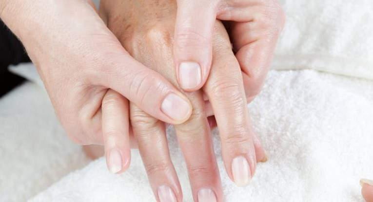Причины пигментации кожи рук