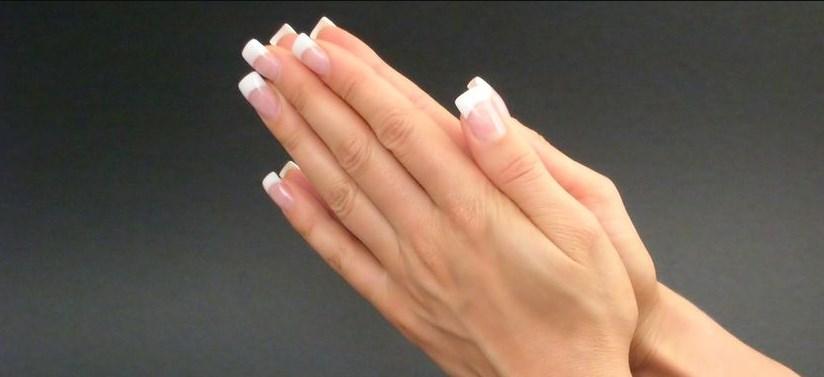 Изменение цвета ногтя